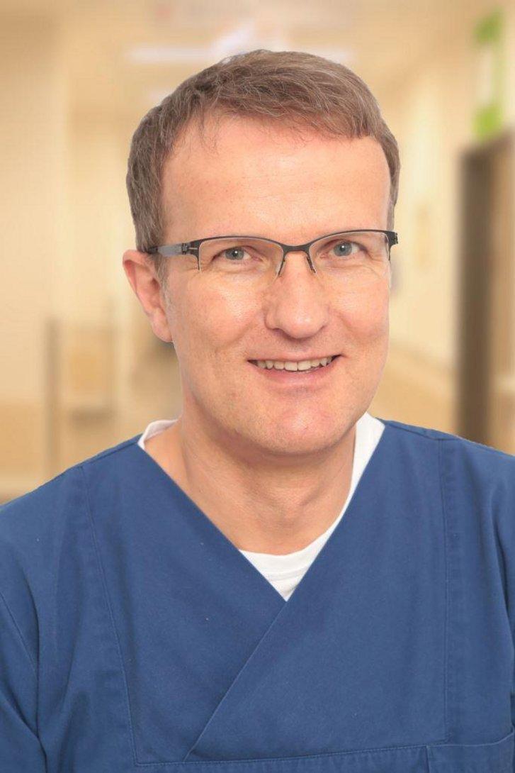 Porträt von Dr. Büchner